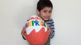 getlinkyoutube.com-Huevo Kinder Sorpresa Super Gigante  - Peppa Pig, TMNT, La Casa de Mickey Mouse Juguetes y Dulces