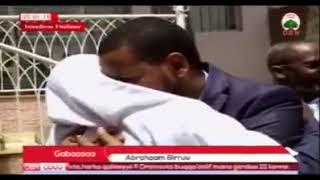 OBN Afaan Oromoo added a new video: Kennaa Konkolaataa Uztaaz Ahimaddiin Jabaliif . Kennaa Konkolaat