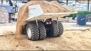 getlinkyoutube.com-RC truck overload! Too much weight on the R/C dumper! Slow Motion!