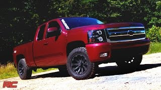getlinkyoutube.com-Installing 2007-2016 GM 1500 2-inch Leveling Kit by Rough Country