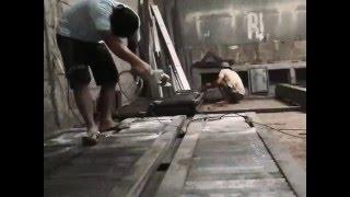 Proses pembuatan pintu garasi