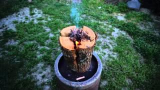 getlinkyoutube.com-木こりのろうそく Wood Candle [前編] 大人が本気で遊ぶとこうなる