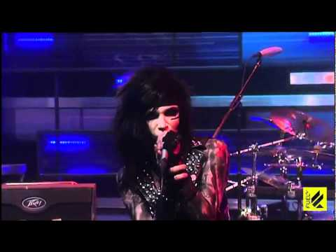 Black Veil Brides - Fallen Angels (Live on Daily Habit Music)