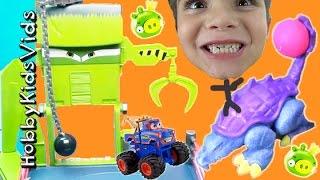getlinkyoutube.com-Dinosaur + MONSTER TRUCKS! Bad Piggies SURPRISE Play-Doh TOYS HobbyKids