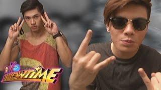 getlinkyoutube.com-It's Showtime: Nikko vs. Ronnie on Hashtags Harapan