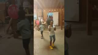 getlinkyoutube.com-7 year old Baleigh dancing to JuJu on that Beat and she killed it..