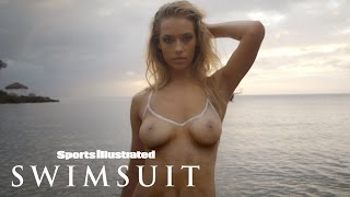 getlinkyoutube.com-Hannah Ferguson's Body Paint Leaves Nothing To The Imagination | Sports Illustrated Swimsuit