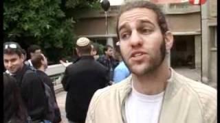 """getlinkyoutube.com-עימות בהפגנה: סטודנטים מת""""א מול חברי אם-תרצו"""