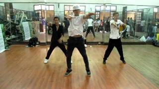 getlinkyoutube.com-03. Where U At - TAE YANG (태양) (Dance Practice) [YG Lovers Crew]
