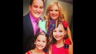getlinkyoutube.com-Maddie and Mackenzie Ziegler family