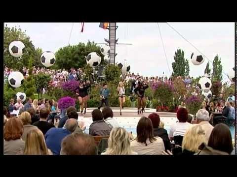 Alexandra Stan - Mr. Saxobeat im ZDF-Fernsehgarten 2011 -fRzGnEQR_0k
