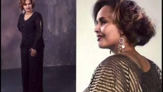 getlinkyoutube.com-Barnaamij U Gaar ah Gabdhaha Ku Nool qaarada Yurub by Waagacusub TV   YouTube