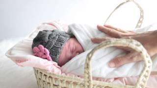 getlinkyoutube.com-Ropa para bebés recién nacidos. Gorros de ganchillo, de crochet hechos a mano.