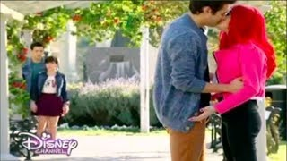 getlinkyoutube.com-Violetta 3 Leon and Roxy kiss Ep.40 English Subtitles