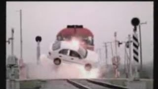 getlinkyoutube.com-CSX And Amtrak Trains Daredevils Risk Of Death