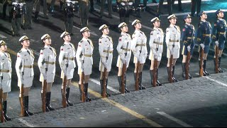 getlinkyoutube.com-China's Military Band Amazing at Rehearsal of Russia's Military Music Festival Spasskaya Tower 2015