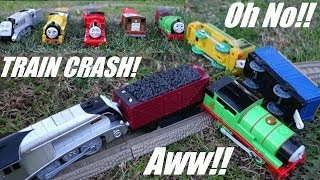 getlinkyoutube.com-Accidents Happen! Thomas & Friends Trackmaster - Spencer, Victor, James, Toby and Percy