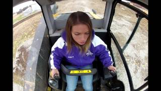 getlinkyoutube.com-Beautiful Girl learning how to operate JCB 320T ECO Skid Loader!