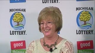 getlinkyoutube.com-Lottery officials introduce Powerball winner