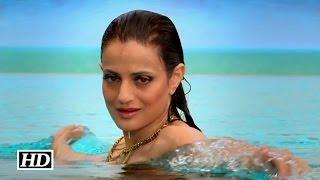 getlinkyoutube.com-WATCH Ameesha Patel's sexy avatar in Desi Magic