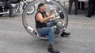 getlinkyoutube.com-Wheels of Tomorrow One Wheeler (Monocycle)
