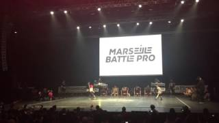 getlinkyoutube.com-Marseille Battle Pro 2016 Bgirl Terra vs Bboy Lorenzo Semi Finals