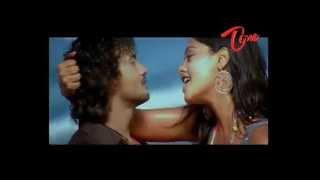 Hot Romantic Beach song of Bindu Madhavi www sulaxy com