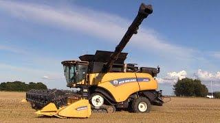 getlinkyoutube.com-The New Holland CR10.90 Worlds Strongest Combine Harvester