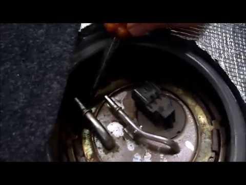 Снять бензонасос ЛАНОС (замена сеточки) чистка топливной системы
