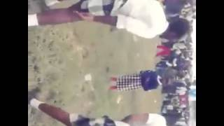 getlinkyoutube.com-KENYAN HIGH SCHOOL GIRLS TWERKING HOT (KERICHO)