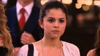 getlinkyoutube.com-Selena Gomez Kisses