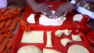 getlinkyoutube.com-Moldes para hacer arepas, empanadas y pasabocas