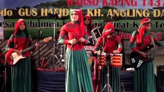 OLEH OLEH - QASIMA  feat Dwi Restiano
