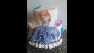 getlinkyoutube.com-Bolo de dois andares da princesa sofia