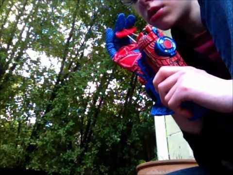 The Amazing Spiderman Mega Blaster Web Shooter Part 1
