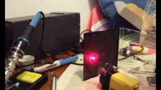 getlinkyoutube.com-Laser realizzato con un vecchio masterizzatore DVD rotto