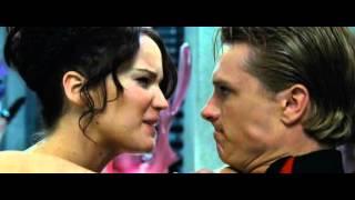 getlinkyoutube.com-The Hunger Games - Katniss & Peeta - Haven't Met You Yet