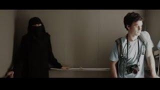 getlinkyoutube.com-Él tenía miedo de estar en un ascensor con ella. Pero cuando ella se quitó el velo....