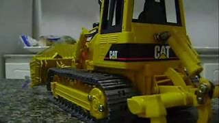 getlinkyoutube.com-RC Bruder Bulldozer CAT D5