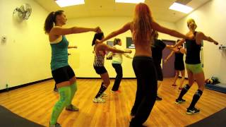 getlinkyoutube.com-Thriller - Michael Jackson Zumba with Mallory HotMess