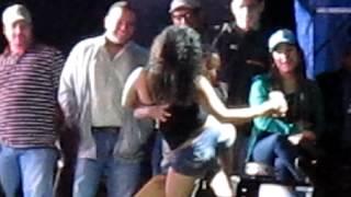 concurso de baile de chicas borrachas