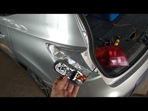 Nissan Qashqai при торможение не работает сигнал поворота