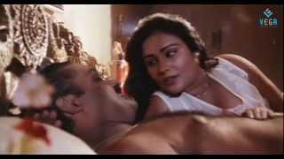 getlinkyoutube.com-Pudhiya Visaranai Movie : Renjini, Suresh Gopi Romantic Scene