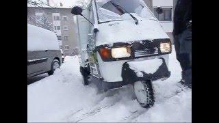 getlinkyoutube.com-Piaggio Ape 50 in the snow
