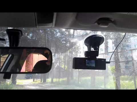Видеорегистратор подключенный к питанию от лампочки плафона.