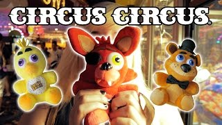 getlinkyoutube.com-Five Nights At Freddy's claw wins plus carnival game prizes at Circus Circus! | The Crane Couple