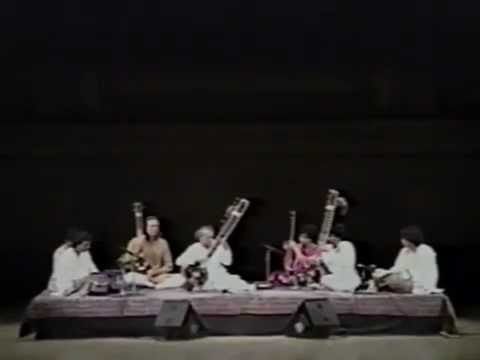 Pandit Ravi Shankar, Ustad Zakir Hussain and Pandit Swapan Chaudhuri- Raag Mishra Pilu -fg_sHArZj4s