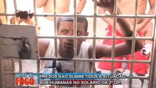 getlinkyoutube.com-Presos são submetidos a condições sub-humanas / Chocolate canta na delegacia