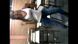 getlinkyoutube.com-Bruninha dançando na escola 2012