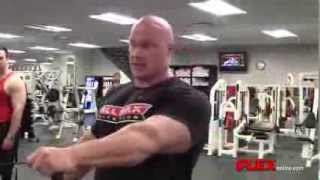 getlinkyoutube.com-IFBB PRO Ben Pakulski TRAINS SHOULDERS